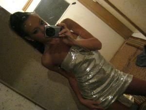 Pei from Kirkland, Washington is looking for adult webcam chat