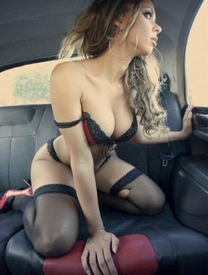 Aura from Capeville, Virginia is looking for adult webcam chat