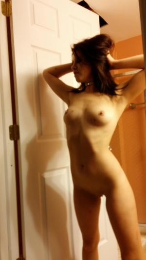 Chanda from Pilotpoint, Alaska is looking for adult webcam chat