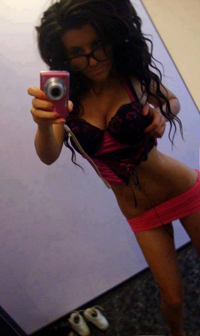 Rachelle from Coolidge, Georgia is looking for adult webcam chat
