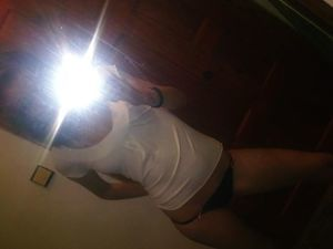 Emmaline from Gloucester, Massachusetts is interested in nsa sex with a nice, young man