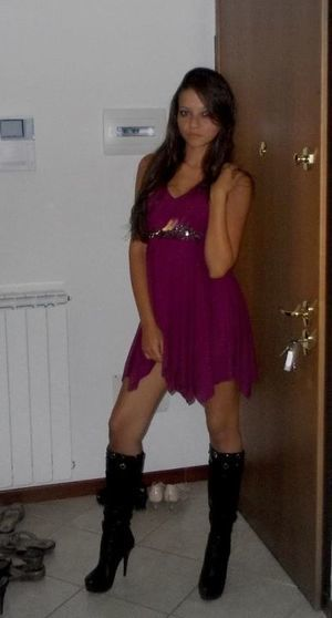 Valda from Cliffside Park, New Jersey is interested in nsa sex with a nice, young man